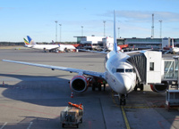 SAS_737_600_at_gate
