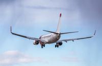Norwegian_737_flyby_1