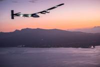 SI2_Solar_Impulse_2_RTW_7th_Flight_Nagoya_to_Hawaii_landing_revillard_05828