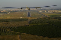 Solar_Impulse_ATLANTIC_Landing_in_Sevilla_Revillard_8160