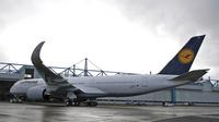 Lufthansa_A350_1st