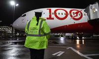 Qantas_100_LHR
